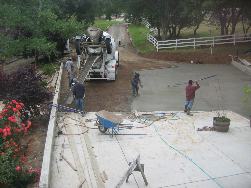 this image shows concrete pouring service by pleasanton concrete and masonry