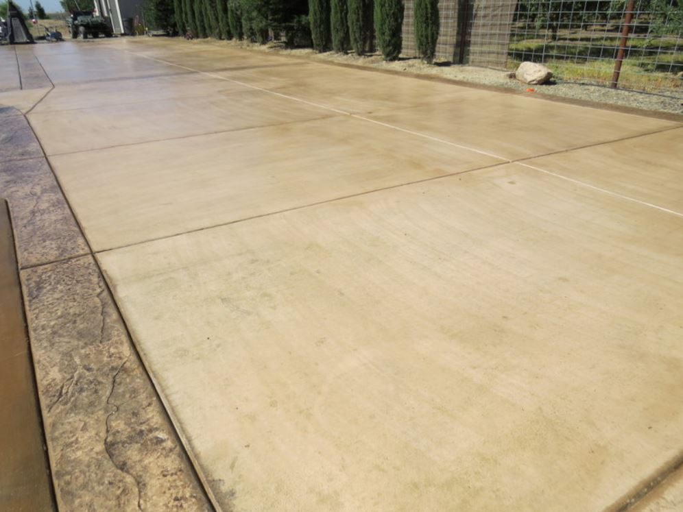 this picture shows stamped concrete driveway pleasanton
