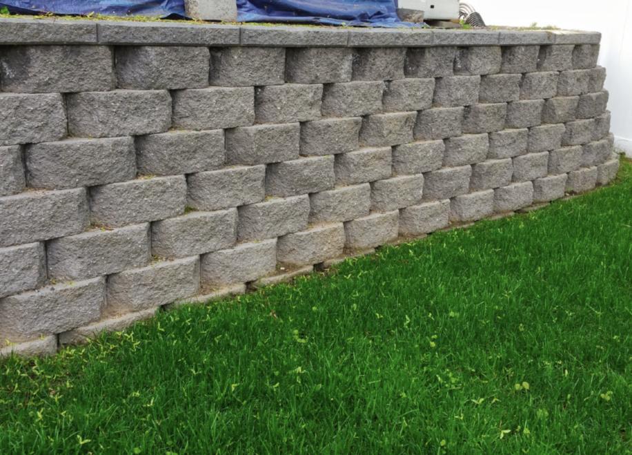 this image shows retaining walls in Pleasanton, California